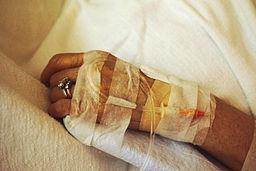 256px-Chemotherapy_iv_(1)